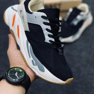 "Adidas Yeezy 700 ""Wave Runner"" Bull Edition"